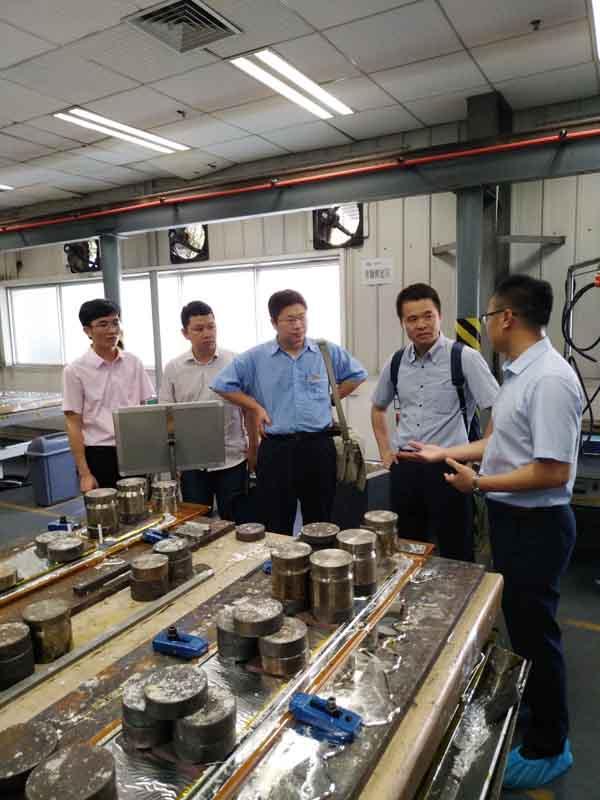 广西壮族自治区科技厅领导一行莅临晶联光电考察调研