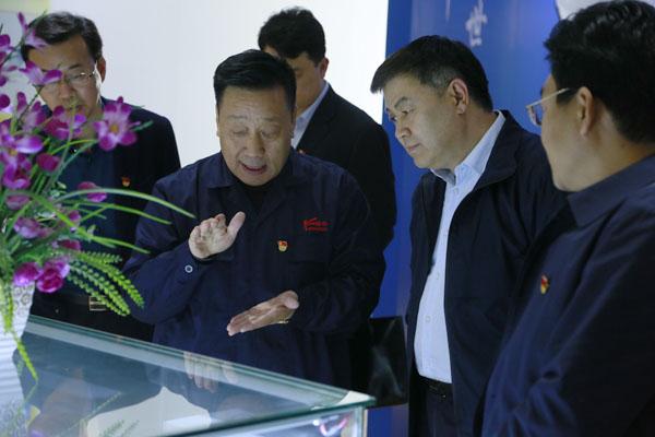 政声|市委常委、统 战部长娄会峰莅临隆华调研