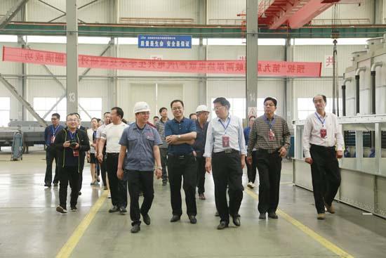 孟津县人大常委会莅临隆华考察调研现代装备制造业